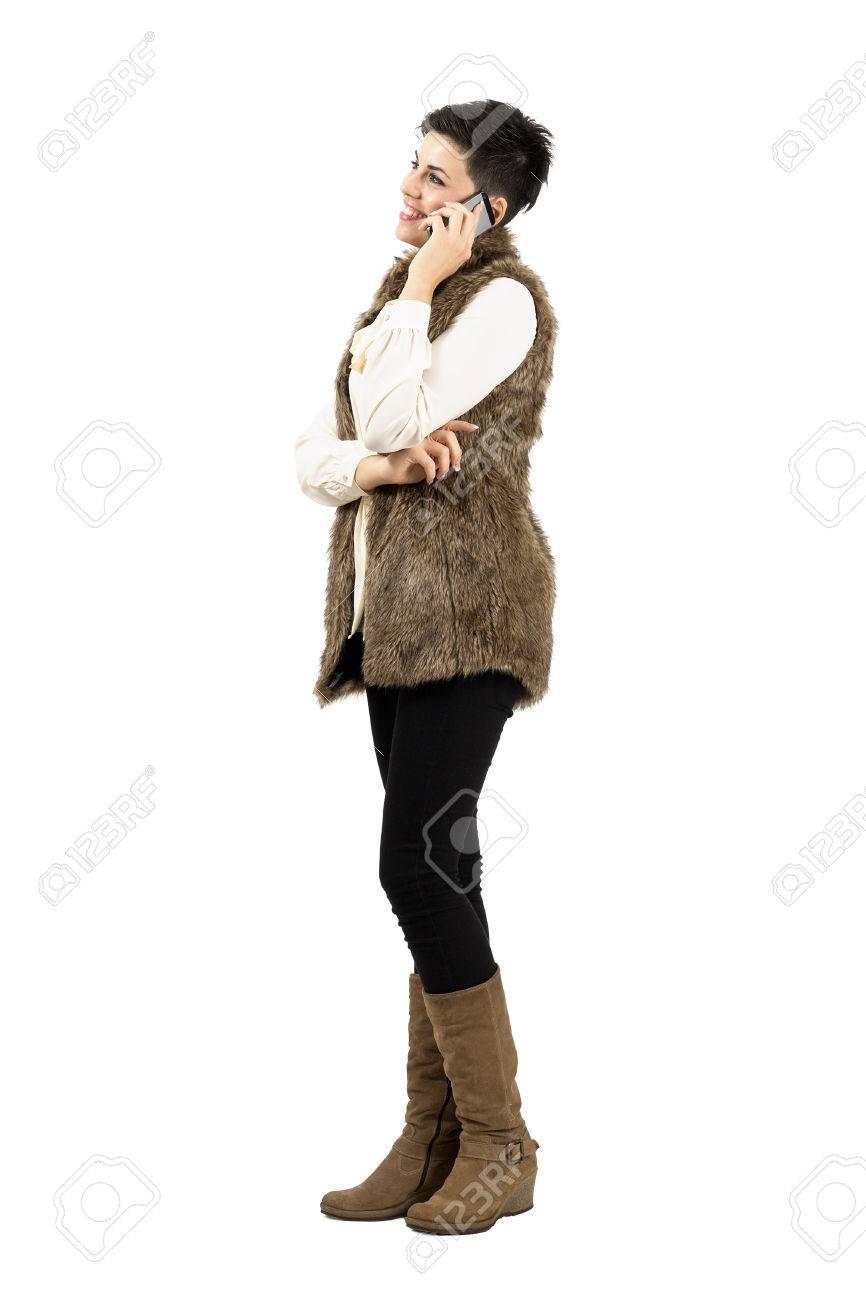 Mujer Sonriente Feliz Hablando Por El Teléfono Móvil Inteligente ...
