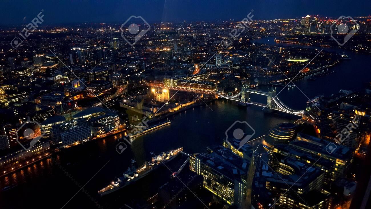 Night in london - 155311087