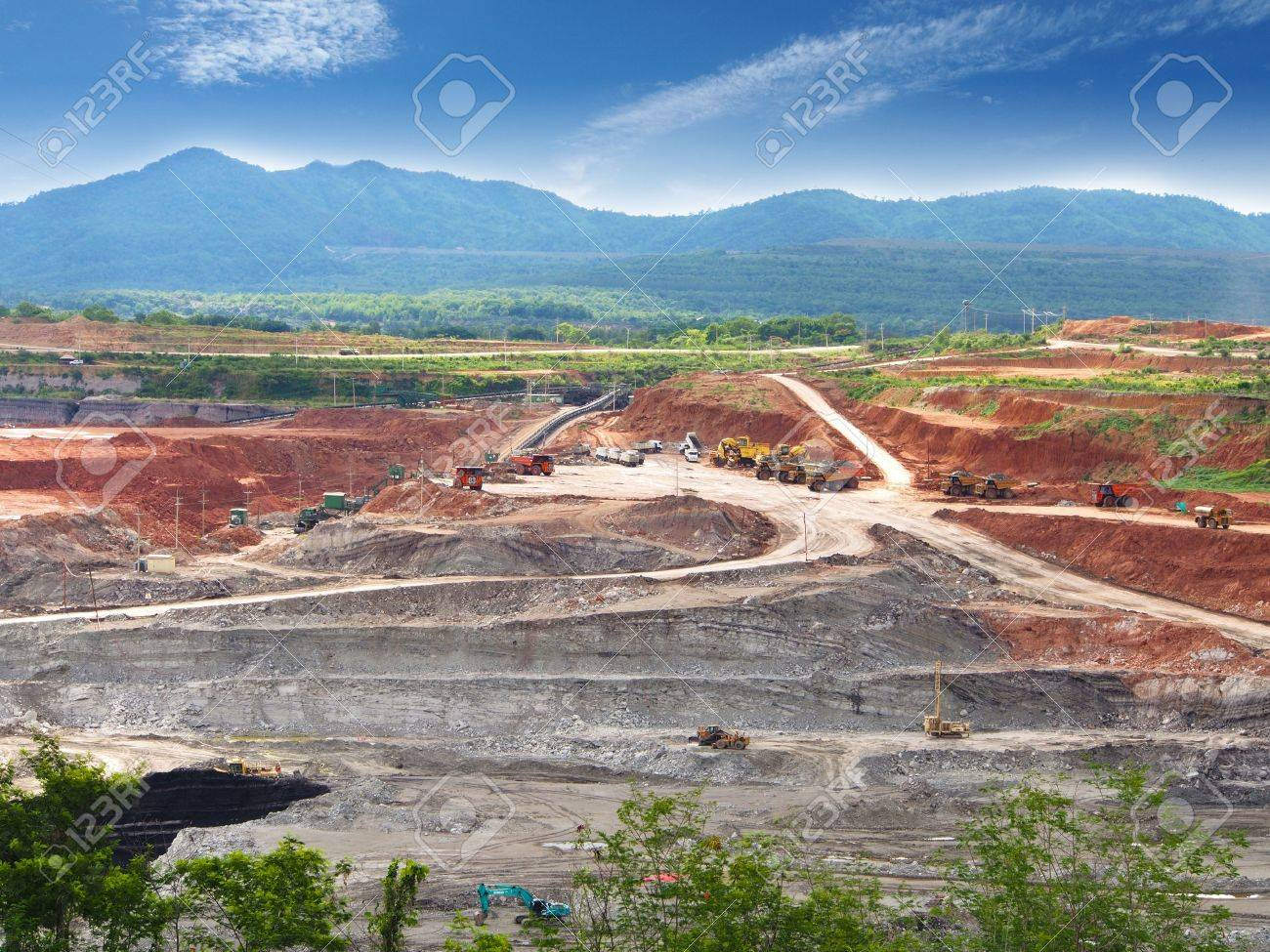 Open Pit  Lignite Mine in Maemoh mine, North of Thailand Stock Photo - 20916351