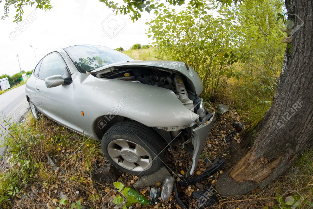 Car Accident against a Tree, Italy Stock Photo - 13203865