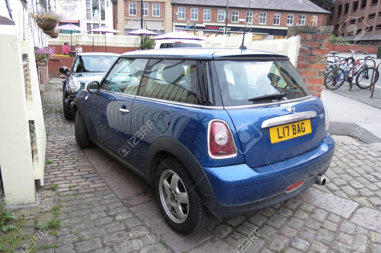 York Royaume Uni Circa Août 2015 Bleu Voiture Mini Cooper