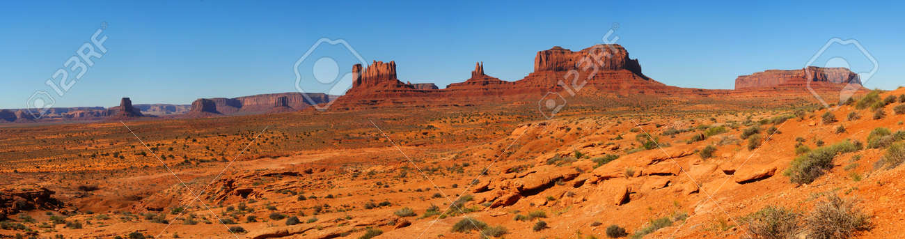 Panorama of Monument Valley taken from the Utah desert Stock Photo - 13552352