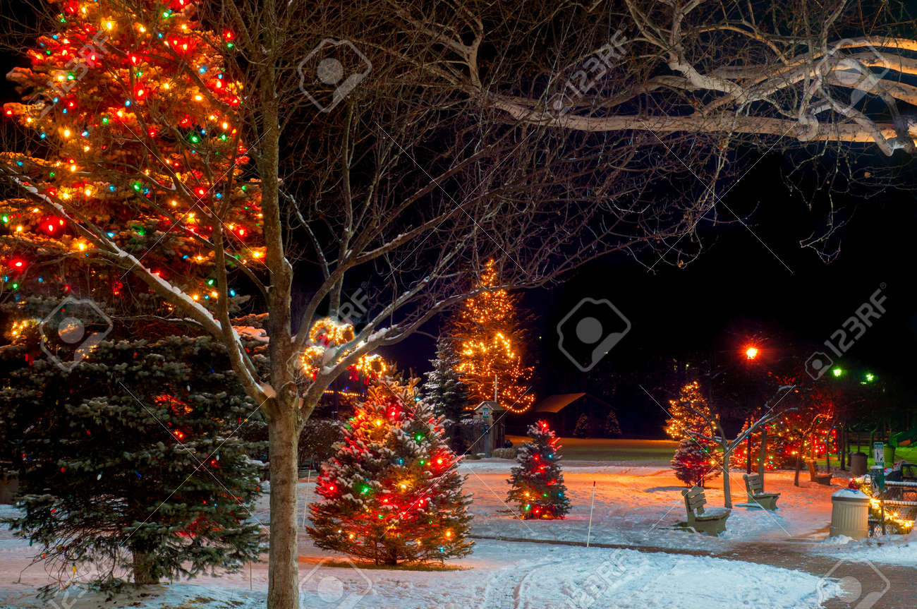 Christmas Lights And Displays In A Chagrin Falls, Ohio, Park Stock ...
