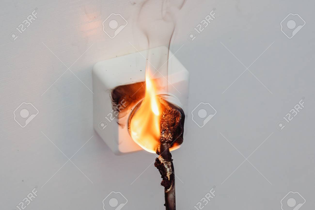 Fire And Smoke In Electrical Outlet Short Circuit House Wiring Standard Bild