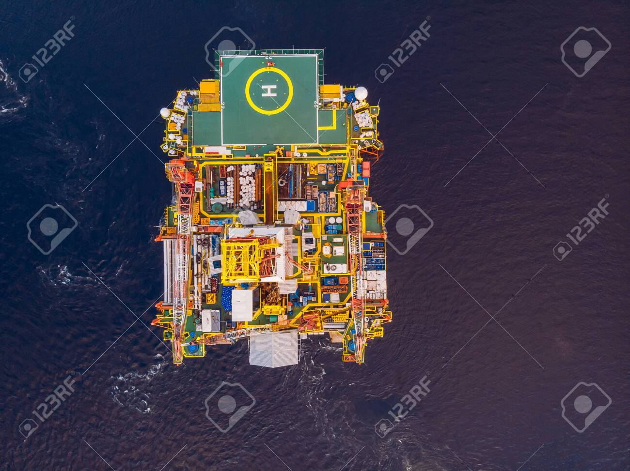 Offshore oil rig for installation sea for repairs, aerial top view - 132523153