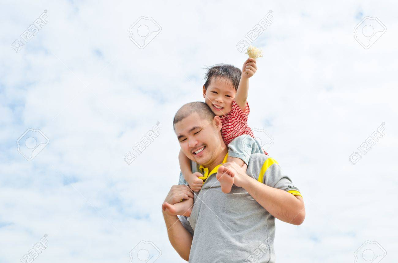 portrait of a happy dad with son Stock Photo - 11376054