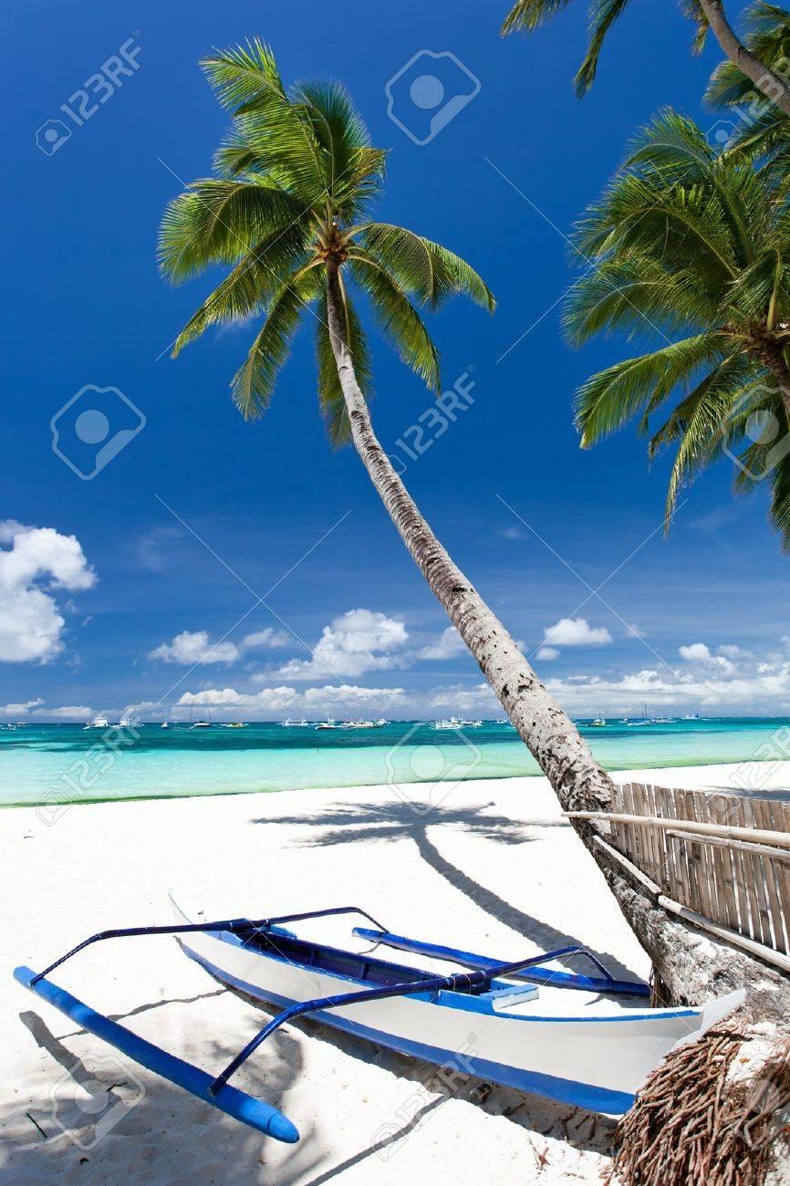 Tropical beach view, Philippines, Boracay Stock Photo - 20336046