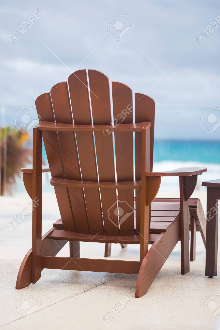 Stock Photo   Wooden Sun Chair At Luxury Resort Near Caribbean Sea, Cancun,  Mexico