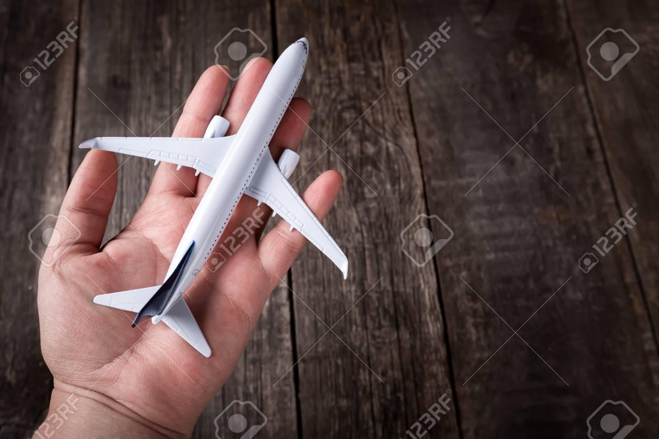 Madera Blanco Avión Del La De Masculina Rústico Juguete Pasajeros El Fondo Entrega En Palma kuiXZP
