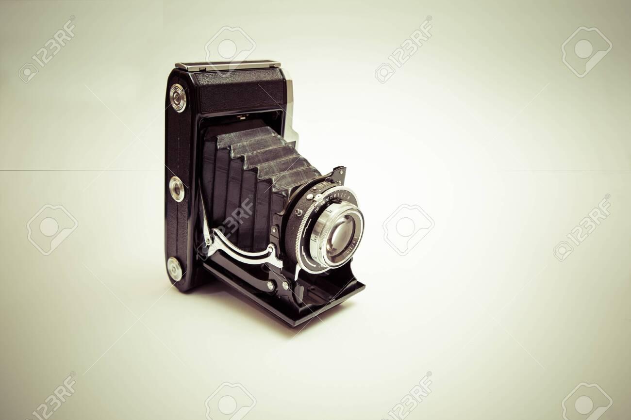 Analog camera Standard-Bild - 30153835