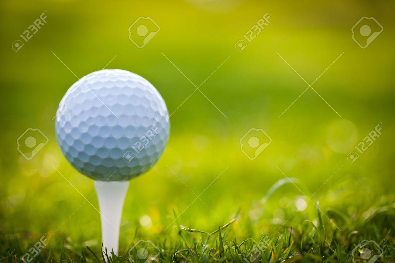 Golf ball on tee - 11864516