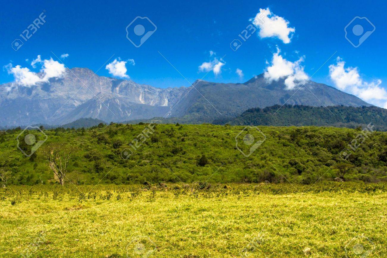 Background Picture Of Mountains In Arusha Nationalpark, Tanzania Stock  Photo   19806157