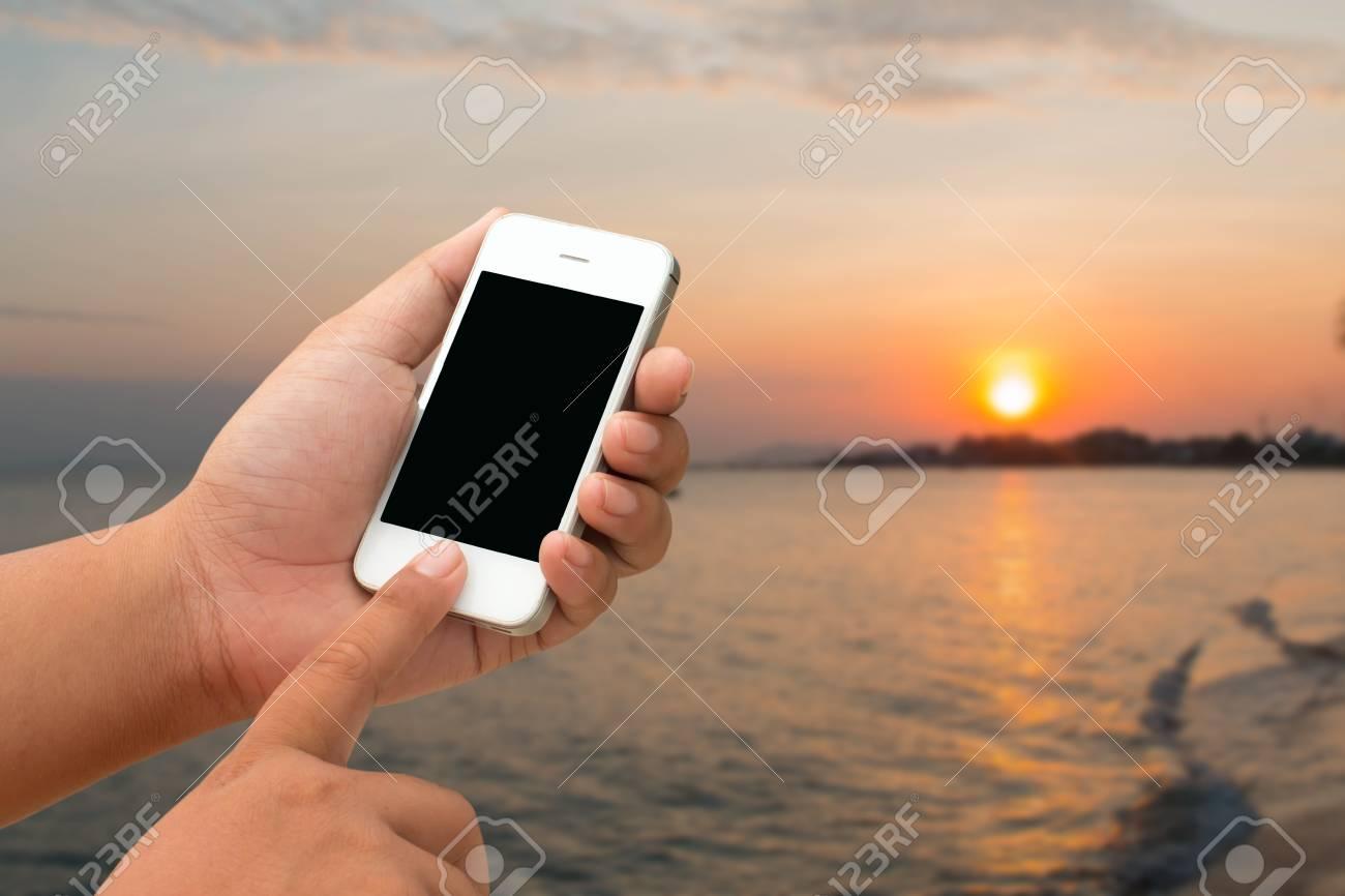 Immagini Stock Uomini Mobili E Smartphone Touchscreen Tablet