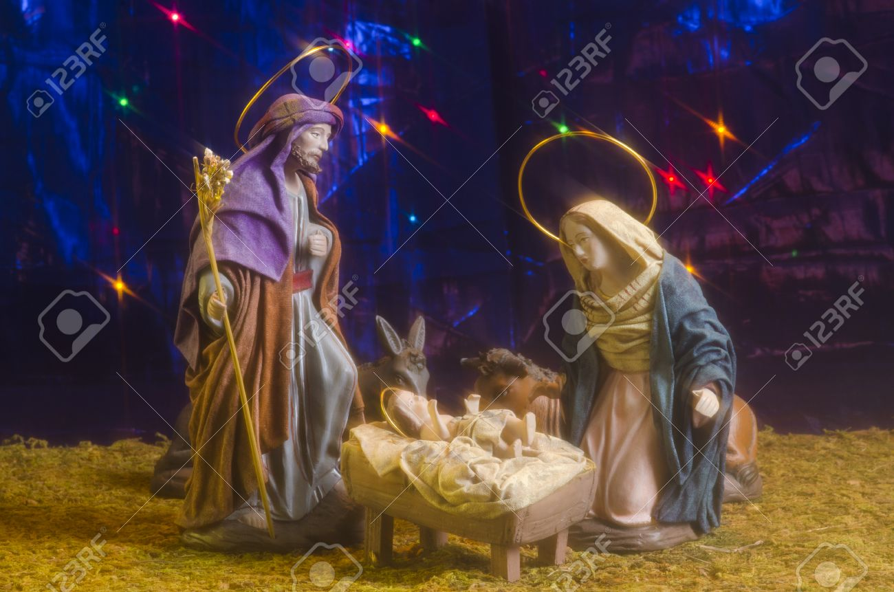 Immagini Stock Presepe Di Natale Figure Di Gesù Bambino Vergine