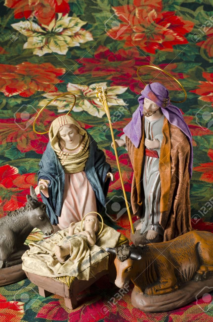 Immagini Stock Presepe Di Natale Figure Di Gesù Maria E San