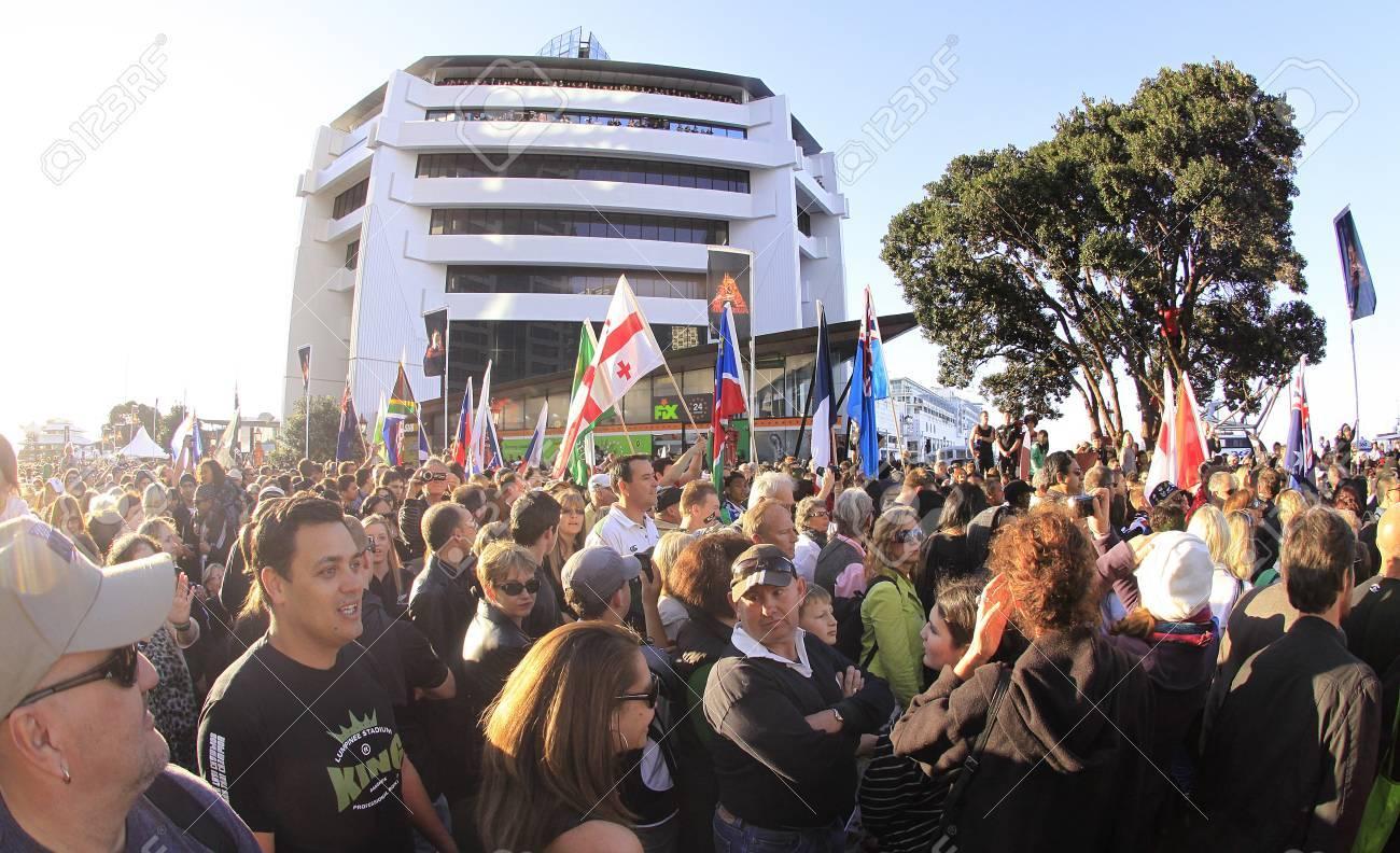 Eye Catching Maori Krieger Decoration Of 9: Parade An Der Auckland Waterfront Für