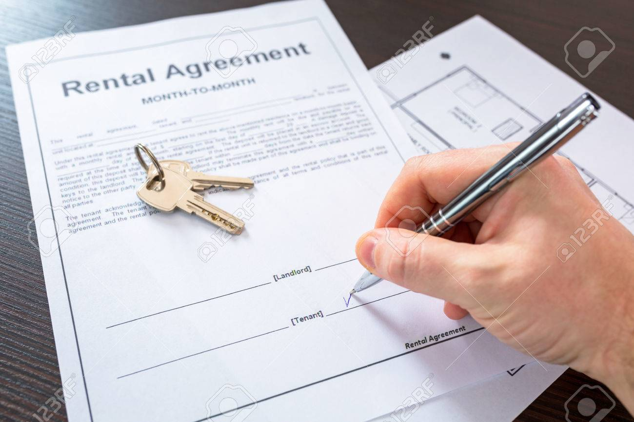 Rental agreement contract to sign Stock Photo - 59170122