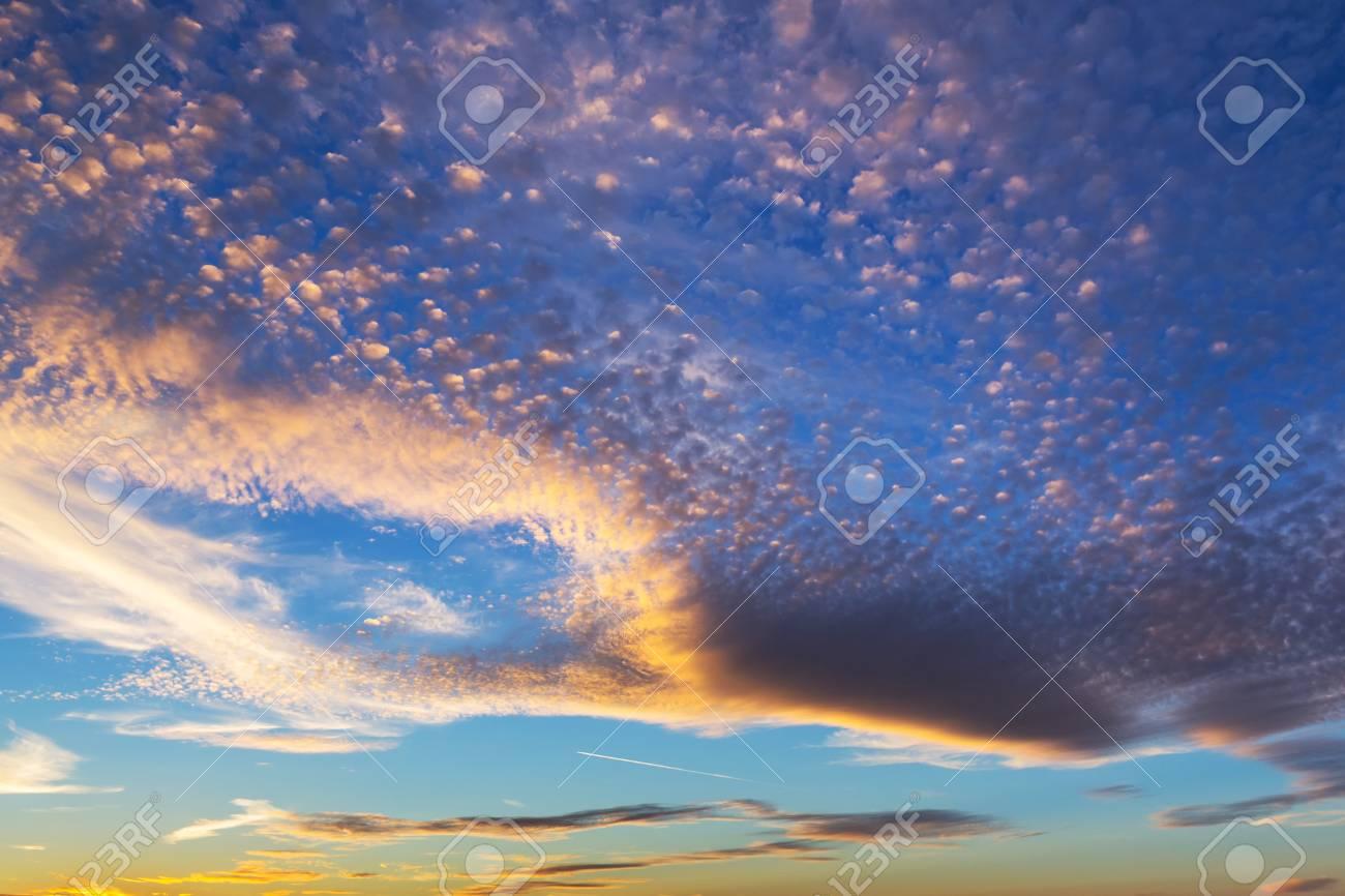 Dramatic sky pattern at sunset Stock Photo - 75224866
