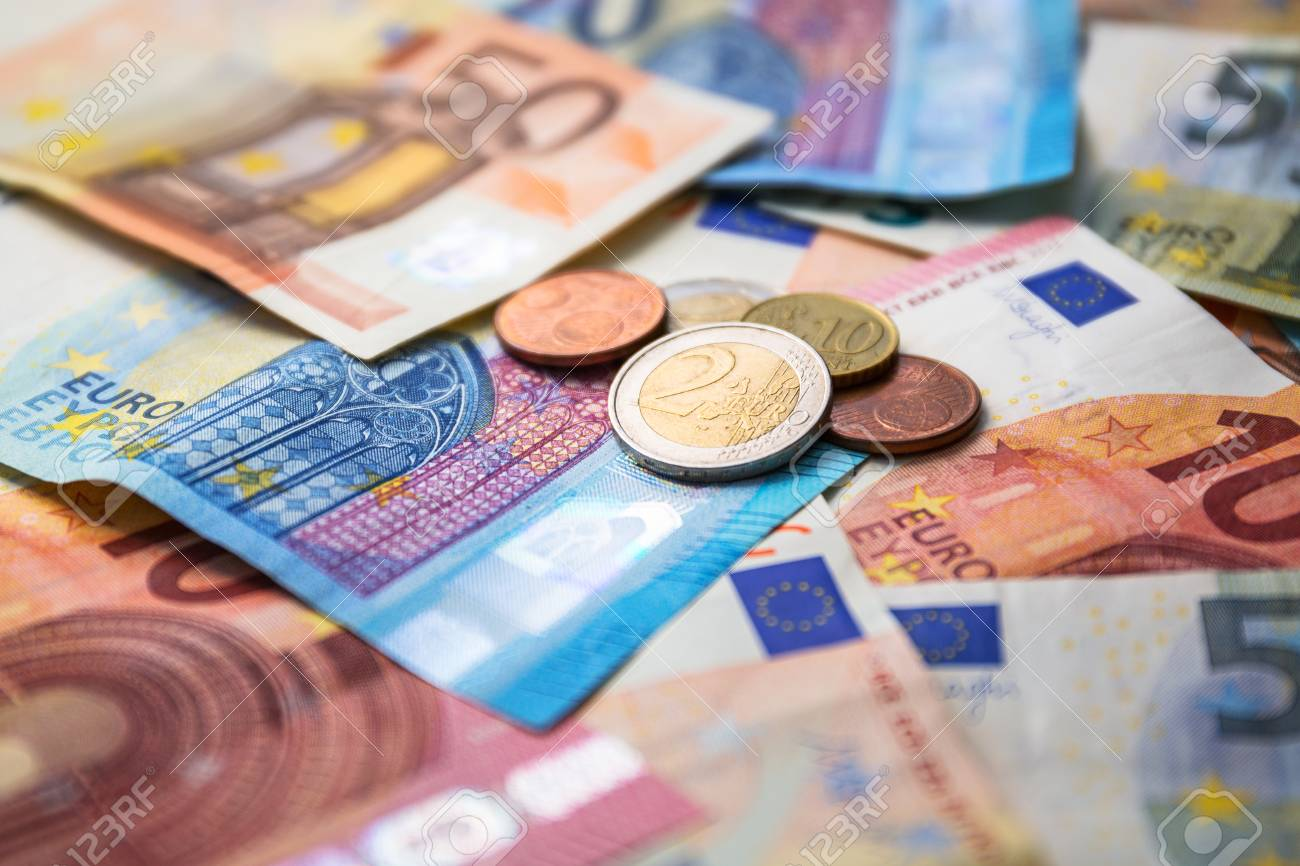 Euro money banknotes and coins Stock Photo - 75164561