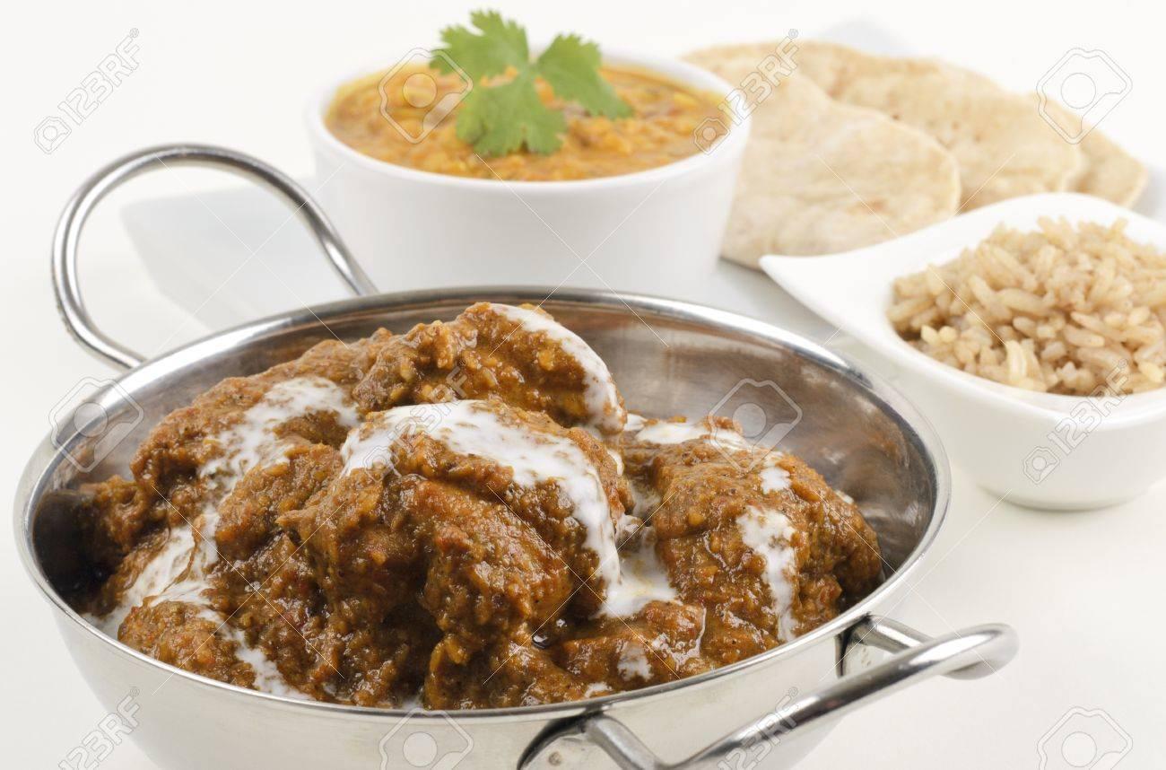 Goan chicken xacuti chacuti de galinha drizzled with coconut goan chicken xacuti chacuti de galinha drizzled with coconut milk served with pilau rice forumfinder Images