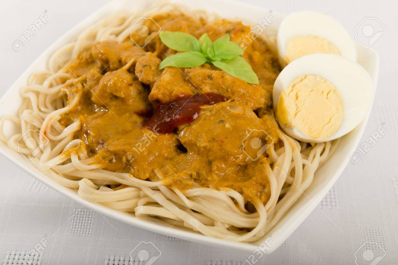 Dry Curry MeeMalaysian Chicken Curry With Coconut Milk And