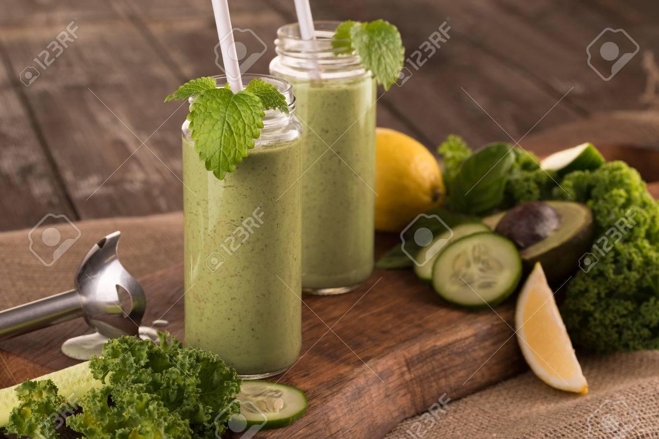 green smoothie - 52852872