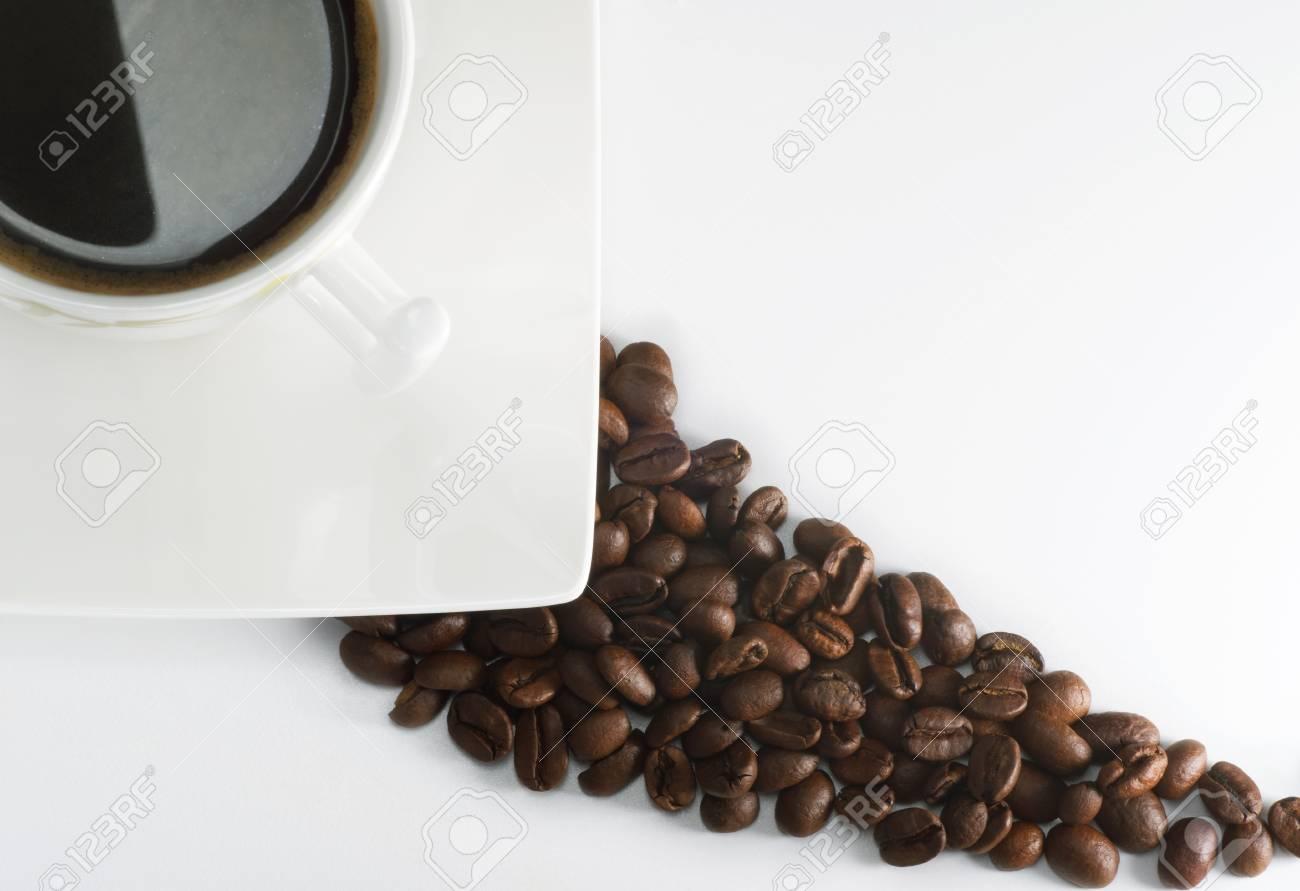 Black espresso on white cup - 52852980