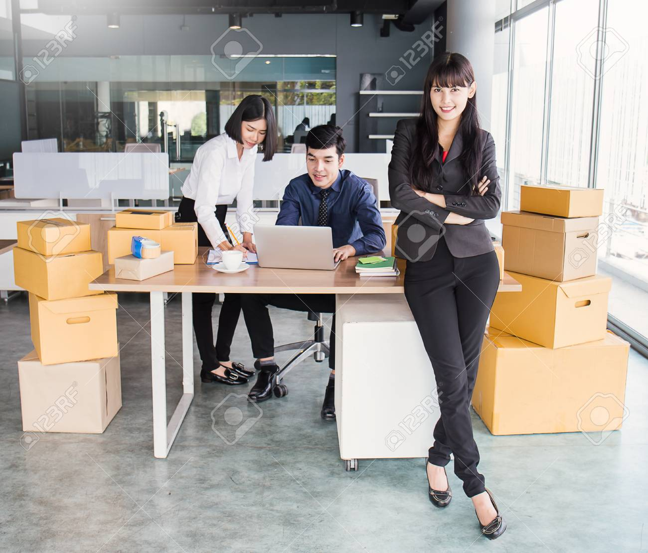 Start up small business entrepreneur SME or freelance woman team working with box, Young Asian small business owner at office, online marketing packaging box delivery, SME concept - 90527251