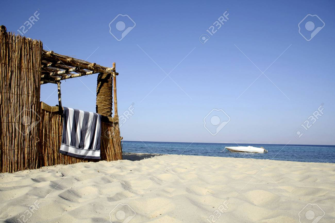 reed hut on beach, red sea, sinai, egypt Stock Photo - 3930412