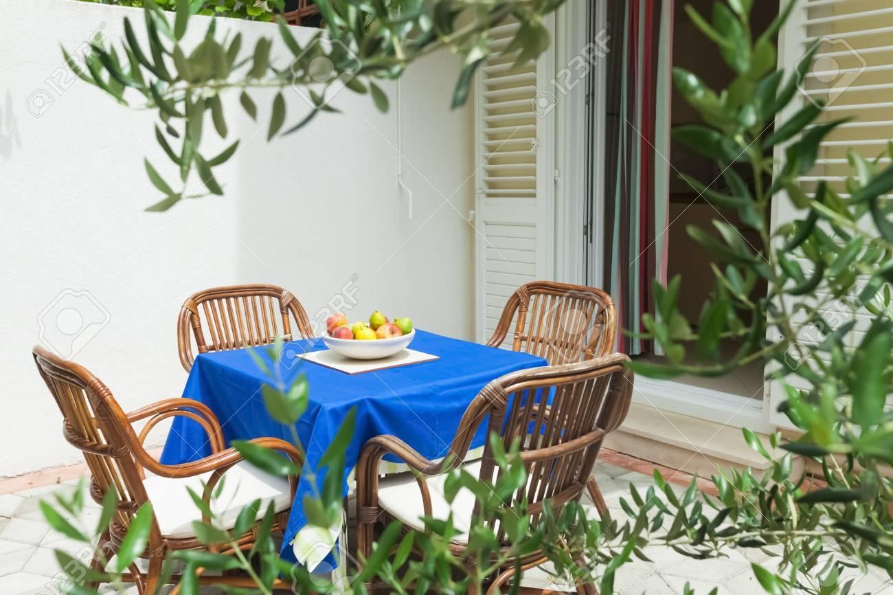 Jardin en terrasse de l\'appartement dans l\'environnement méditerranéen