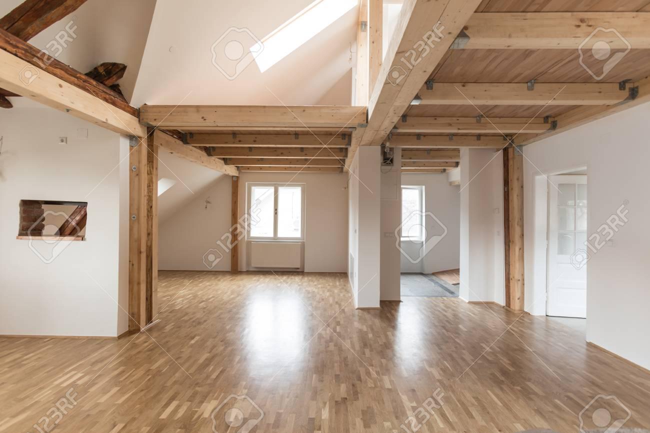 Intérieur de maison moderne avec un espace vide