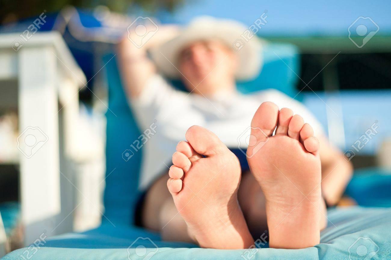 Feet mature