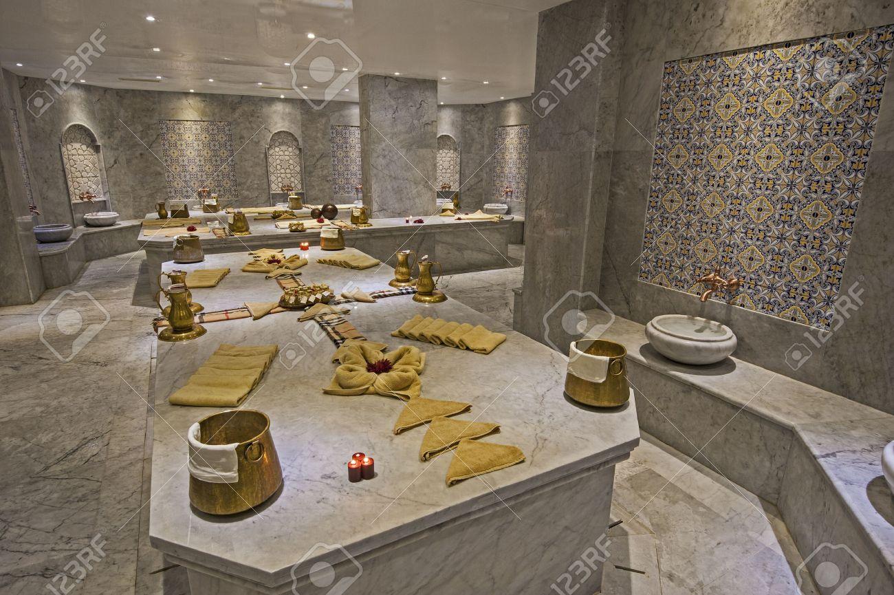 archivio fotografico interno di grande hammam bagno turco in salute spa di lusso