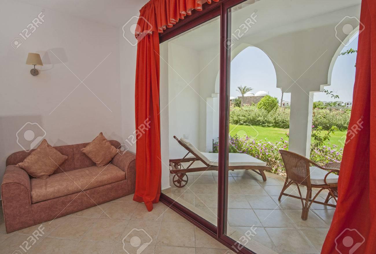 El Diseño Interior De Una Habitación Tropical Complejo De Hotel De Lujo Con Zona De La Terraza Del Patio