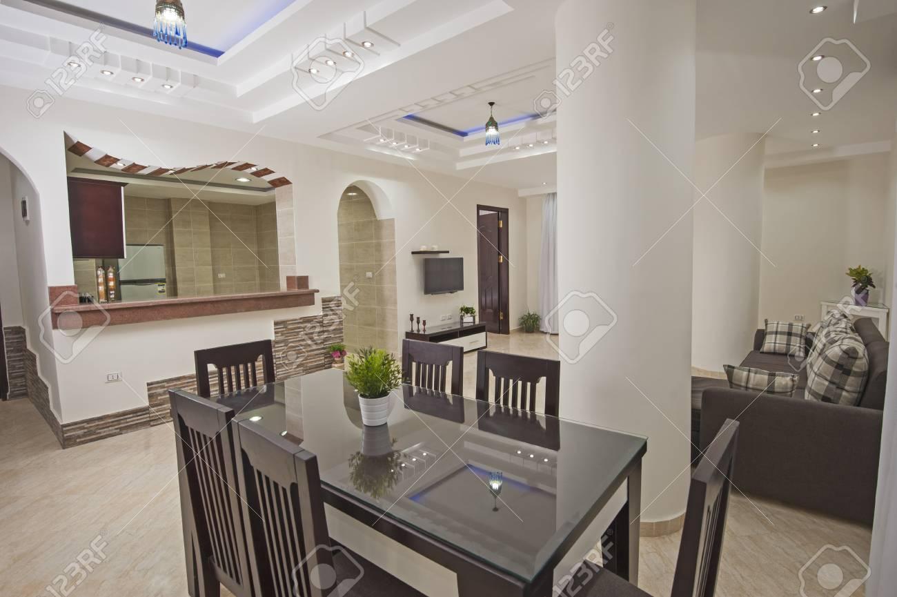 Standard Bild   Wohnzimmer Lounge In Luxus Wohnung Zeigen Nach Hause Zeigen  Innenarchitektur Dekor Einrichtung