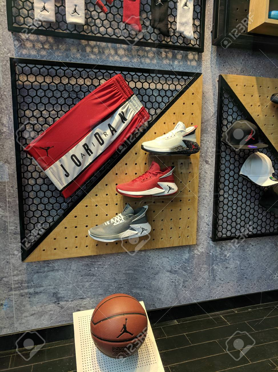 uk availability a0fdc a095a ISTANBUL, TURKEY - SEPTEMBER 27, 2018  Showcase window of Nike store at  Istiklal