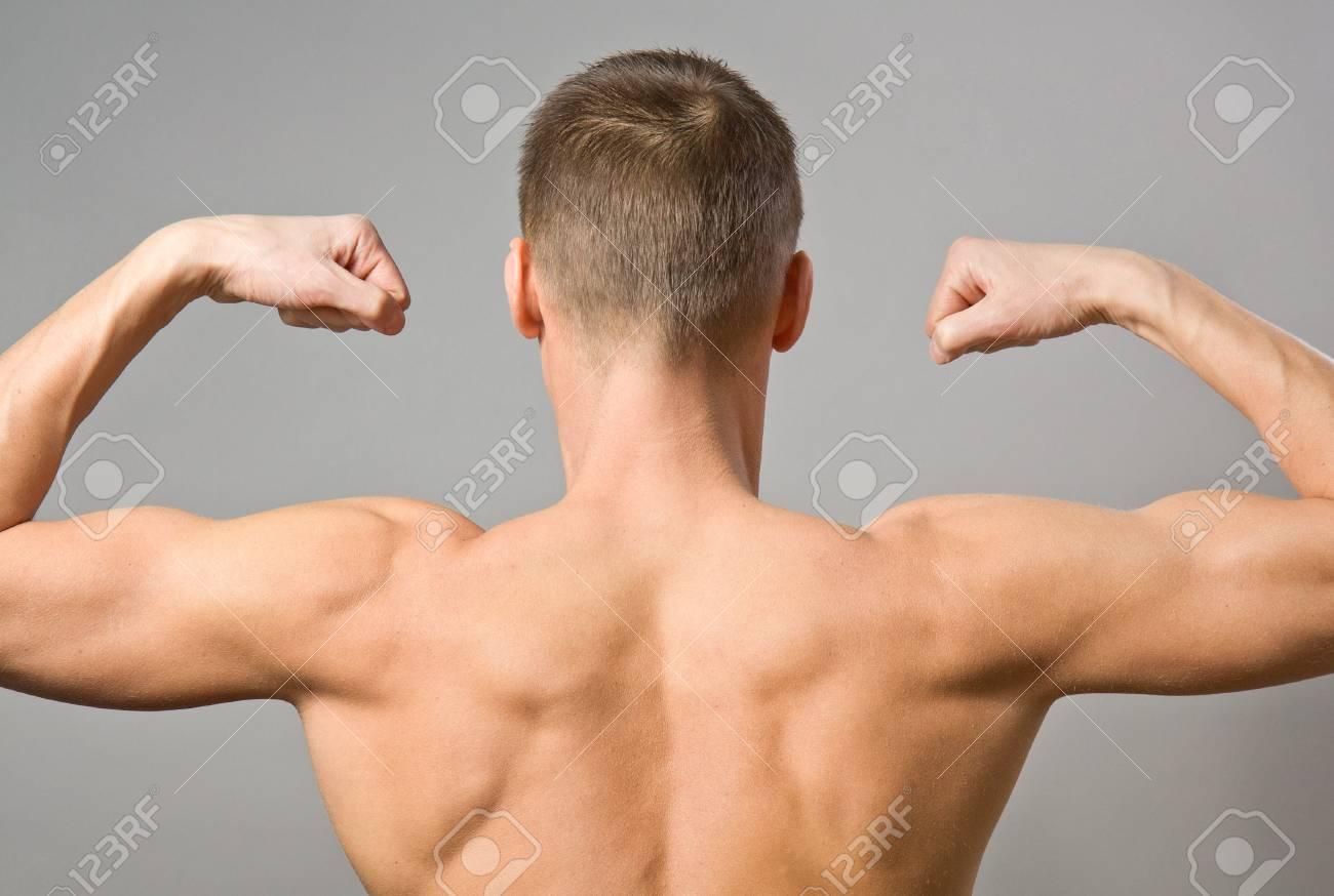Фото мужчины с голым торсом вид со спину 3 фотография