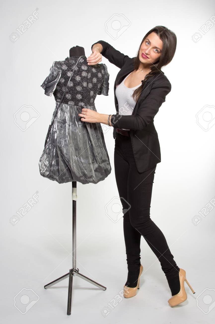 Femme Decoration Mannequin Habille En Robe Argentee Banque D Images Et Photos Libres De Droits Image 35709478