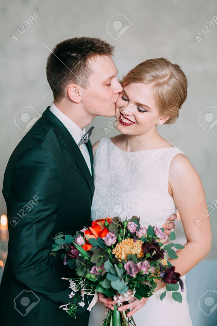 the European-style wedding, a handsome couple in a photo Studio, bride's morning - 149887034