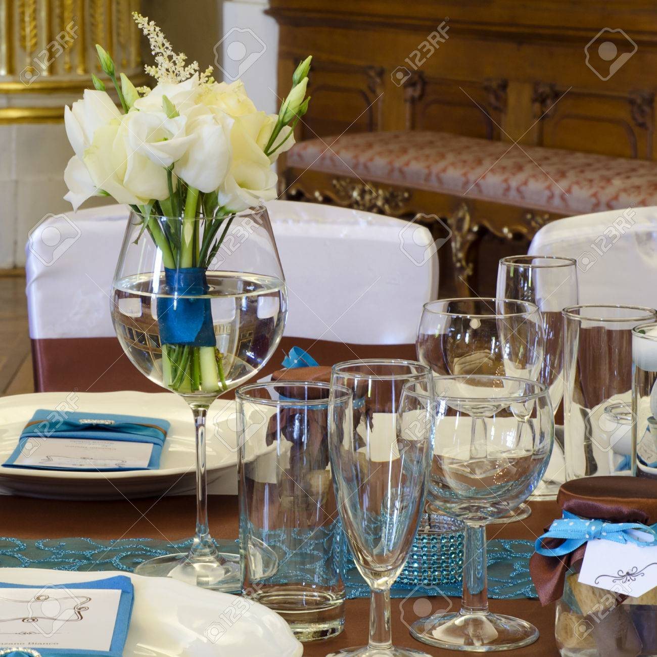 Wedding Table Setting Arrangement In A Luxury Restaurant With ...