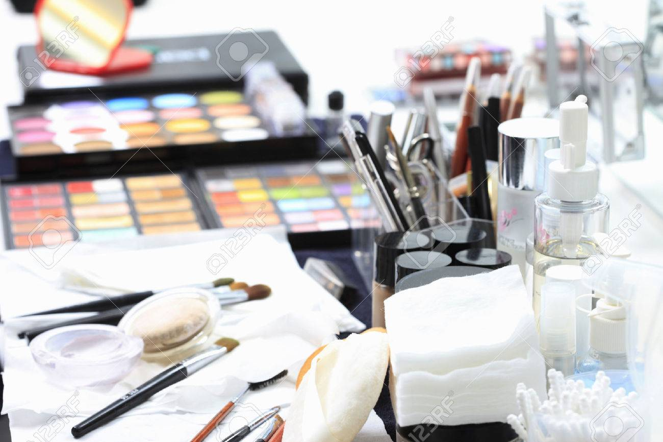 Makeup Tools Standard-Bild - 49506630