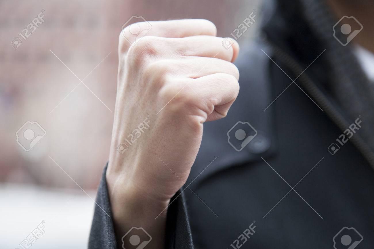 ガッツ ポーズ 画像