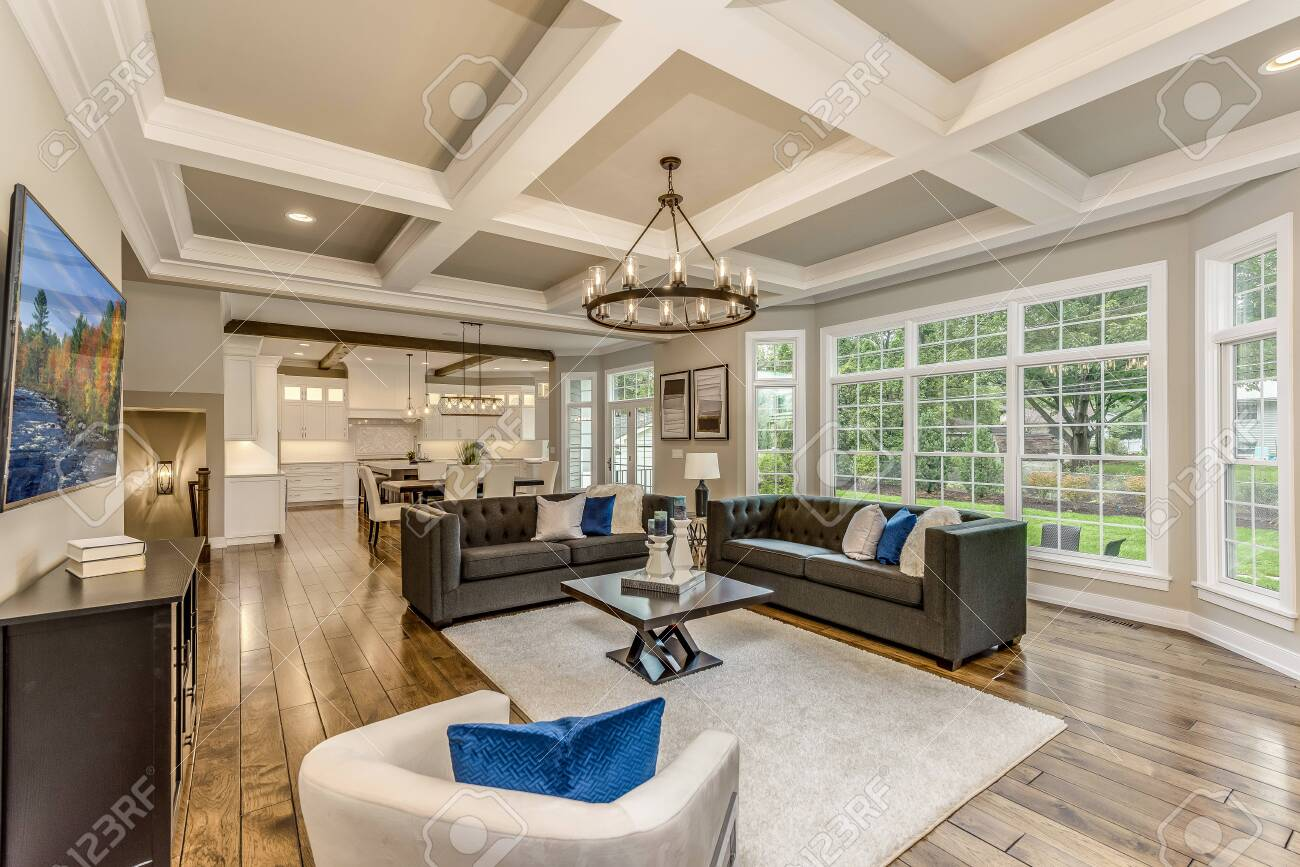 Great room with 10 foot coffered ceilings and lots of windows - 145857103