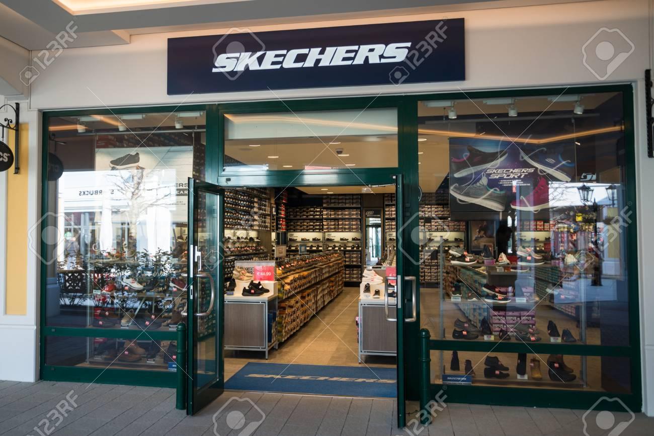 skechers retail