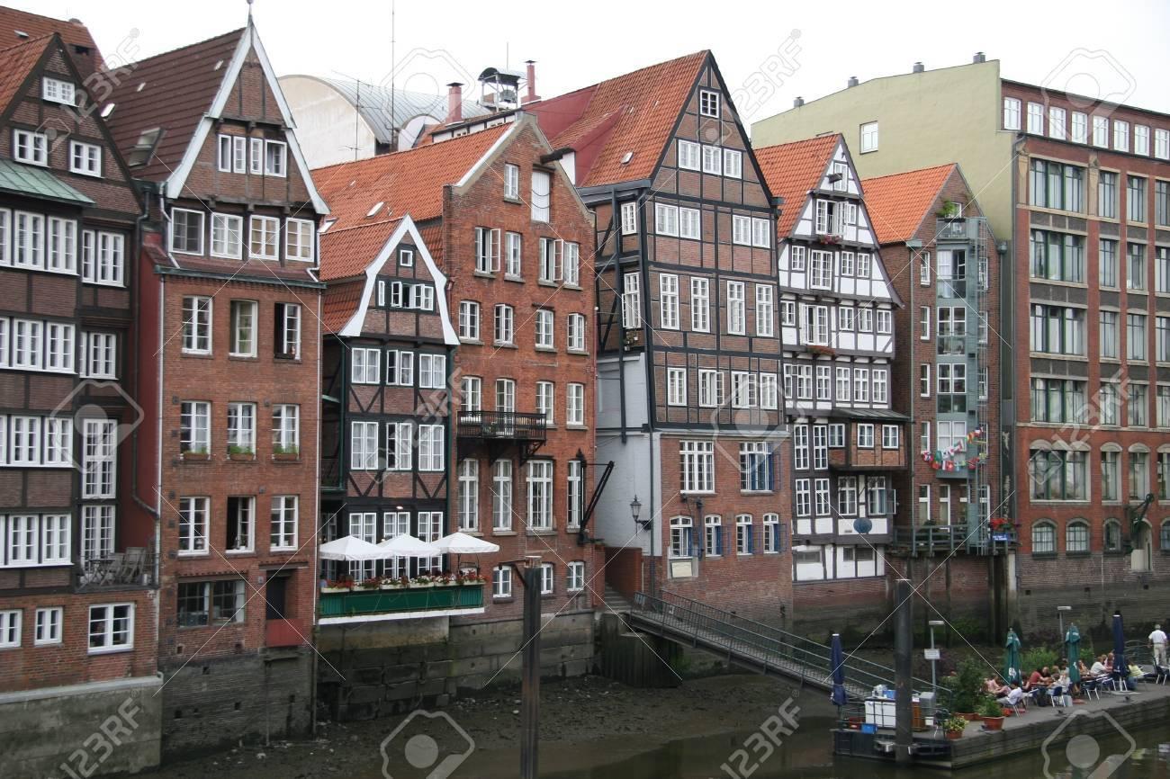 Alte Rahmen-Häuser Lizenzfreie Fotos, Bilder Und Stock Fotografie ...
