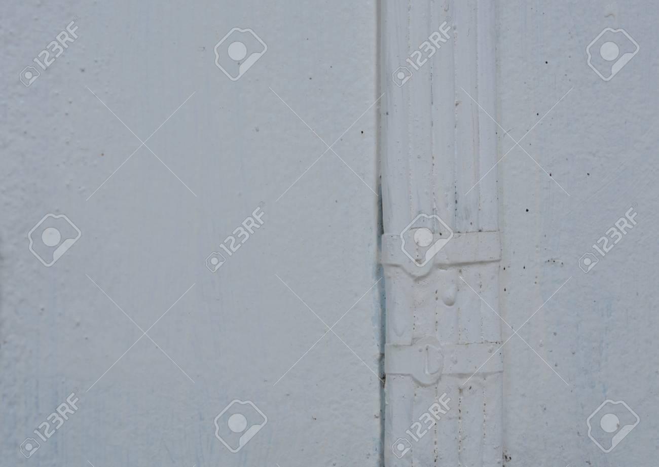 Elektrischer Draht, Der Weiße Farbe Auf Wand Malt Lizenzfreie Fotos ...