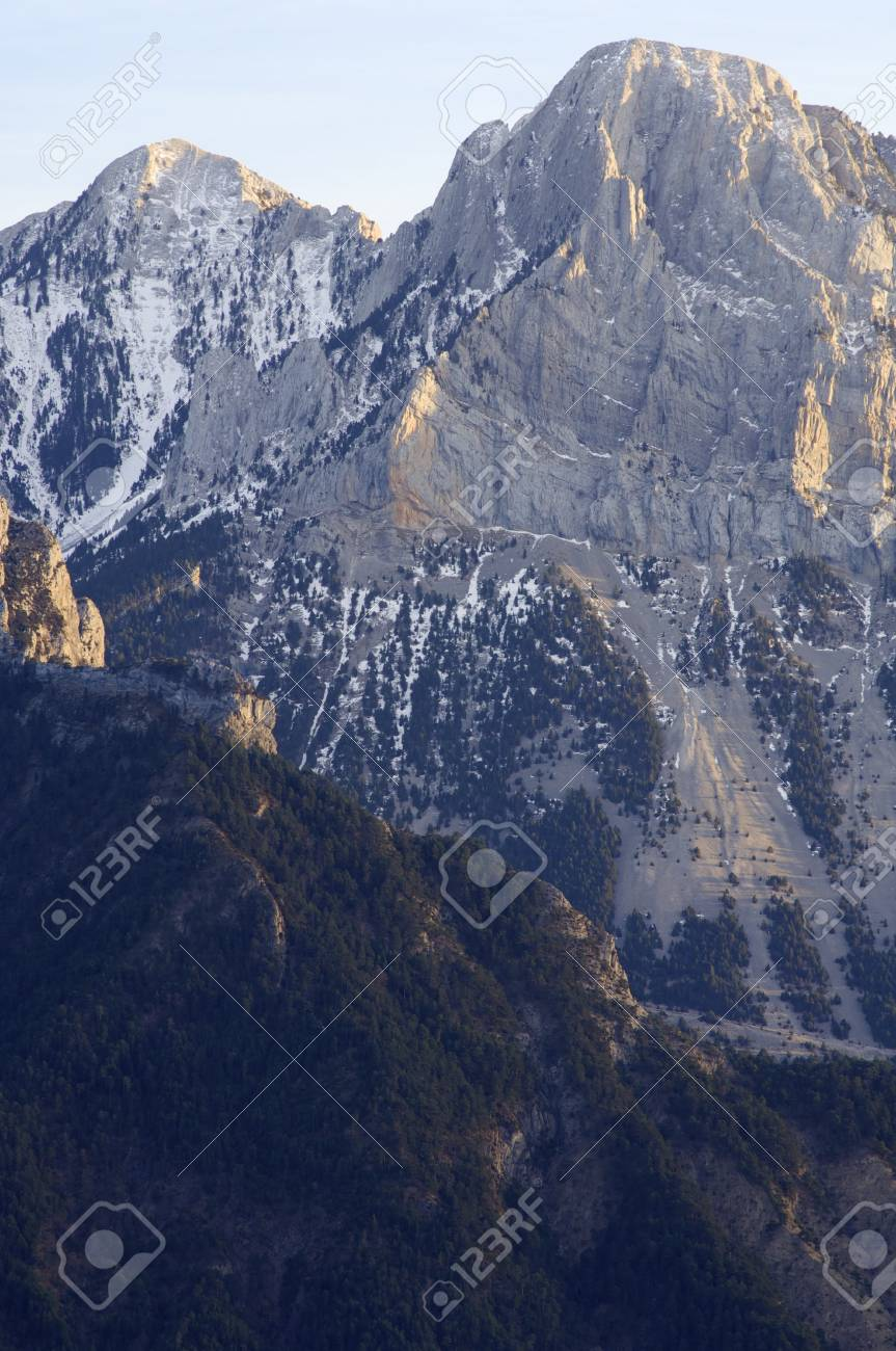 rocky peaks in winter, Pyrenees, Spain Stock Photo - 6994979