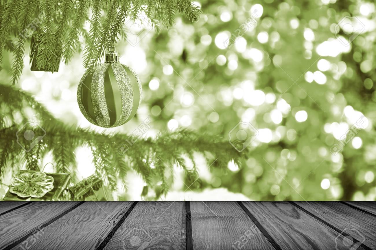 Fondo De Vacaciones De Navidad Con Mesa De Terraza De Madera Vacía Estilo Vintage