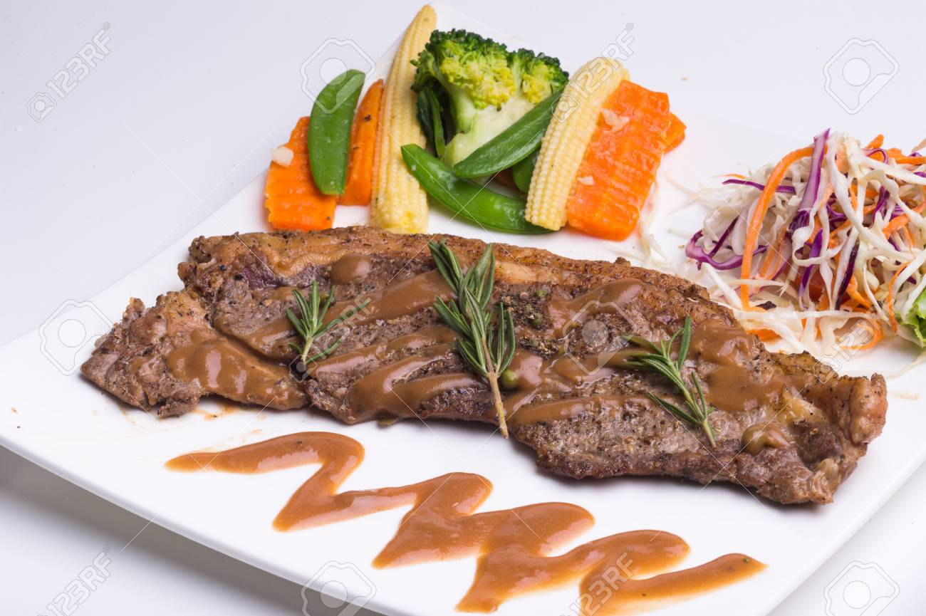 steak and sausages - 42704251