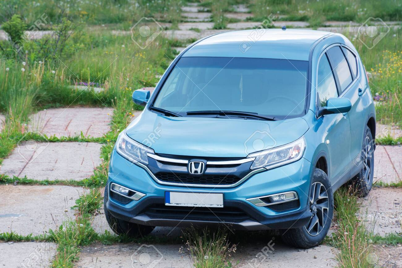 Mnt Runa Ukraine Jun 22 2019 Honda Crv On A Paved Platform Stock Photo Picture And Royalty Free Image Image 137009911